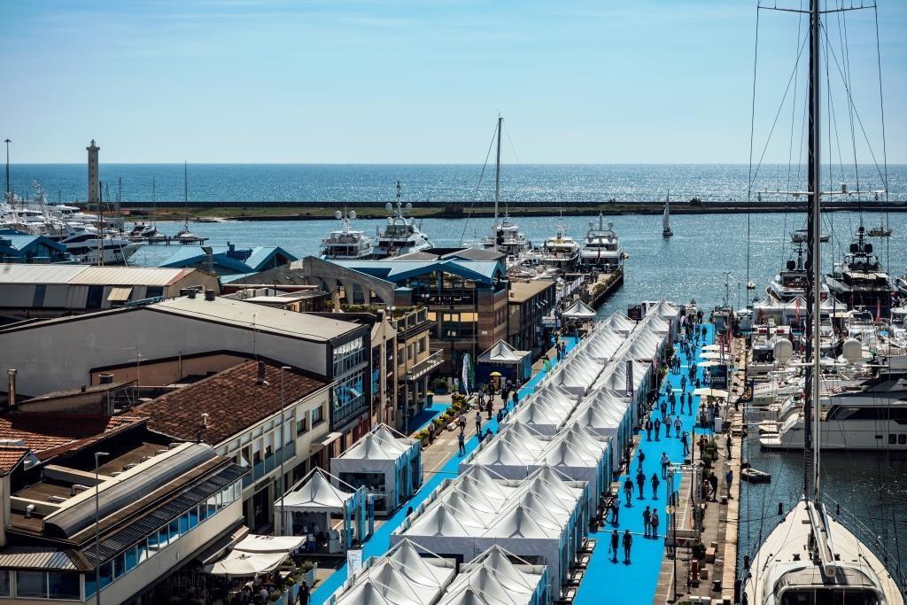 Viareggio, Porto 2020: via i lavori alla Madonnina - ::: LEGA NAVALE NEWS ::: Il sito di informazione della Lega Navale Italiana - Lega Navale Italiana
